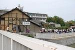 橋から赤坂を眺める.jpg