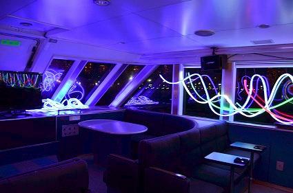 シャトルシップFLOW ジン・シヨン 1階船室 スマートイルミネーション2014.jpg